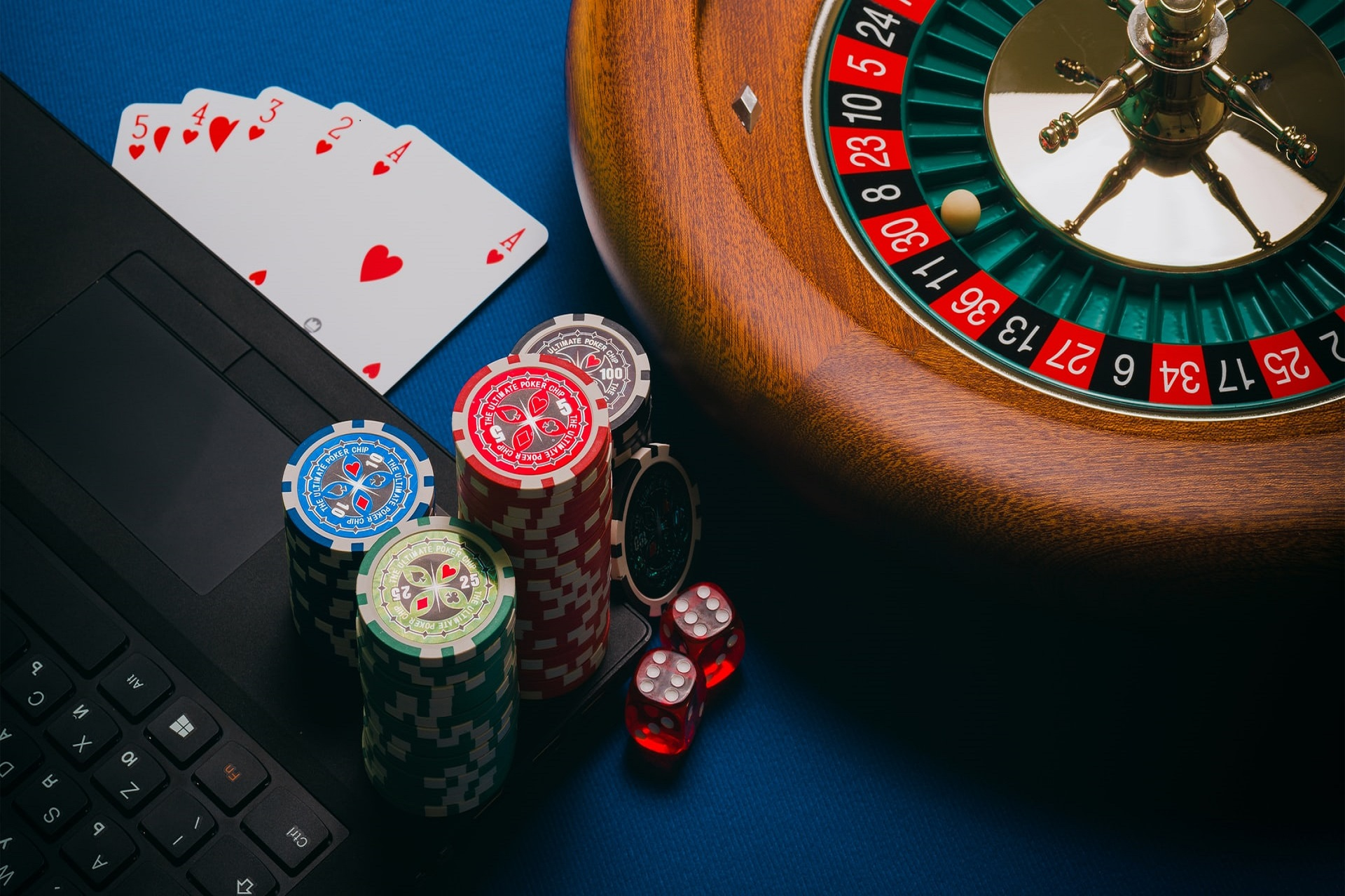 6 Ways Online Casinos Can Connect With Players on Social Media